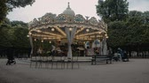resim yazı : Paris CarouselDescription Caption A Paris, France Carousel Stok Video
