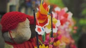 tokio : Buddhist Ojizo statues at Zojoji Temple in Tokyo Japan. Macro dolly shot. Wideo
