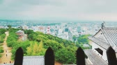 japão : View of a Japanese city from an ancient castle window above