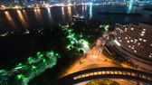arco íris : Timelapse of the bay and traffic with downtown Tokyo in the background from Odaiba.