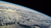 questões : Planet Earth seen from the ISS