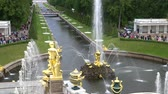 St. Petersburg, Peterhof, Russia, June 2018: Grand cascade, famous Petergof fountains In St. Petersburg, Russia. View From Palace. Стоковые видеозаписи