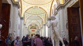 incasso : St. Petersburg, Peterhof, Russia, June 2018: Winter Palace. The halls of state Hermitage Museum in St. Petersburg. Hermitage Museum, is the greatest museums in the world, founded in 1764.