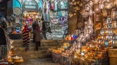 turyści : Cairo, Egypt - Feb 02 2019: Lamp or Lantern Shop in the Khan El Khalili market in Islamic Cairo