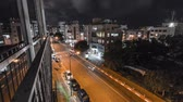 acima : Night street timelapse in the city of Tel Aviv. Israel