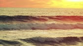 curva : Ocean waves during golden sunset