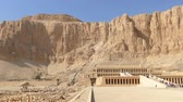 mitológico : Famous ancient temple of Hatshepsut in Luxor Egypt