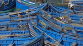 marokkói : Blue fishing boats in the port of Essaouira, Morocco