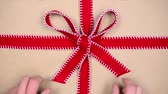symbol : unwrapping gift, chroma key