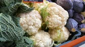 カリフラワー : Varieties of cabbage, white, Brussels, broccoli, color on the market counter. Healthy food, healthy fiber, vegetable diet