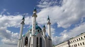 minare : Mosque of Kul-Sharif and the Kremlin Stok Video