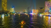 time lapse of traffic in the river on night city skyline background Stok Video