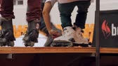 façanha : Roller Skates Feet Detail On A Ramp, Extreme Sports, Outdoors Teenagers, Pan