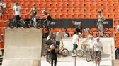 construir : BMX Bikers Warming Up For Extreme Sports Contest, Ramp, Speed, High Angle