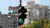 ограничение : Traffic Light Turning From Green To Yellow And Red, Street, Traffic
