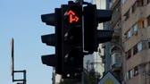 ограничение : Red Traffic Light Turning Green For Ahead And To The Right Стоковые видеозаписи