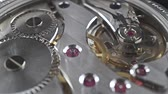 difícil : Swiss made wrist watch movement, macro video