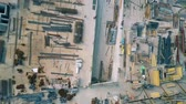 незаконченный : Aerial top down view of a construction site