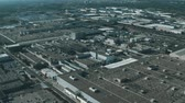 вид сверху : Aerial view of a modern car factory or automobile plant Стоковые видеозаписи