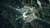 断る : Aerial top down view of Berlin Victory Column and roundabout traffic. Germany