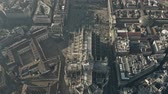 çatılar : Aerial view of crowded Piazza del Duomo square and Milan Cathedral, main citys landmark. Lombardy, Italy
