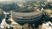 foules : Aerial shot of Colosseum or Coliseum amphitheatre. Rome, Italy