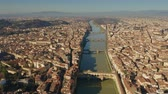 chodba : Aerial view of famous Ponte Vecchio and other bridges over Arno river in Florence, Italy