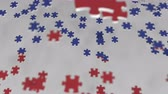 sonuç : Flag of Russia being made with jigsaw puzzle pieces. Russian problem solution conceptual 3D animation
