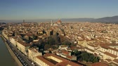 тосканский : Aerial establishing shot of the city of Florence. Tuscany, Italy