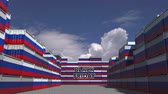 goede vrijdag : Cargo containers with BLACK FRIDAY text and flags of Russia. Russian commerce related 3D animation