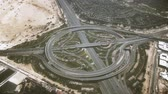 logistika : Aerial shot of a big round highway interchange in Dubai, United Arab Emirates