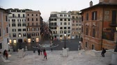 observar : Rome Trinita dei Monti church, spanish steps and realism video in the early morning