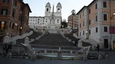 srpen : Rome Trinita dei Monti church, spanish steps and realism video in the early morning