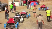 начало : Buggy car on the track before the start