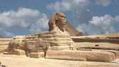 egypťan : Timelapse clouds quickly fly over the Sphinx 4K