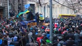 berkut : Big assembly of Ukrainian civilians trying to move forward on Hrushevsky Street