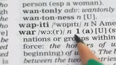 gramática : War word in english dictionary, international relations collapse, refugees