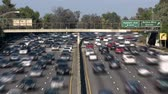 congestionamento : Busy Los Angeles Freeway Traffic - Time Lapse