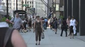 homens : Chicago Pedestrians Stock Footage