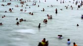 relaks : Time Lapse of Crowded Beach. Wideo