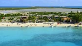 meşgul : Time lapse of a busy beach in Grand Turk Island