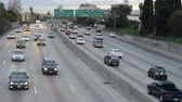 congestionamento : Heavy Traffic on the 101 Freeway Los Angeles Vídeos