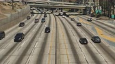 à beira da piscina : Time Lapse  - Overhead View of Traffic on Busy 10 Freeway in Downtown Los Angeles California