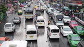 asiáticos : Time Lapse Heavy Traffic in Downtown Bangkok Thailand
