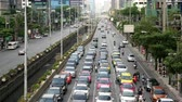 asiáticos : Time Lapse  Zoom of Busy Street - Downtown Bangkok Thailand