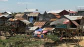 asiáticos : Shacks in the Cambodian Country Side  Farm Lands