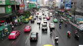 asiáticos : Traffic in Downtown Bangkok After Rainstorm