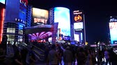 pecado : Crowds Outside of Planet Hollywood Casino at Night Vídeos