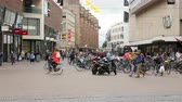 tranças : Time Lapse of People in Downtown Den Hague - The Hague Netherlands
