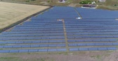 fotovoltaik : Panoramic view of a solar power plant, rows of solar panels, solar panels, top view, Aerial view to solar power plant, Industrial background on renewable resources theme, power station, top view,